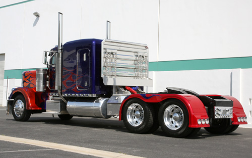 File:Movie OptimusPrime truckrear.jpg