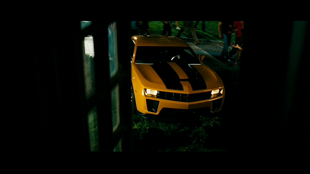 File:Camero on the lawn.png
