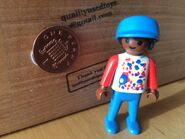 Playmobil-rare-used-figure-black-boy-in-baseball-cap-from-set-3335-0