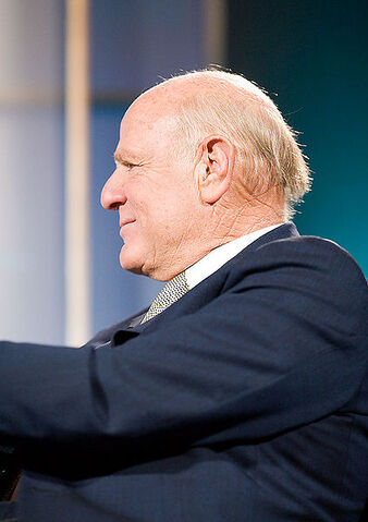 File:423px-Barry Diller,Web 2.0 Conference 2005.jpg