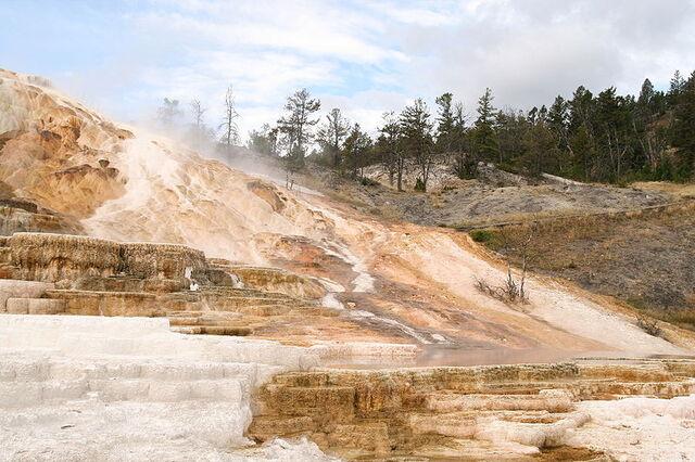 File:800px-Minerva Terrace-Yellowstone.jpg