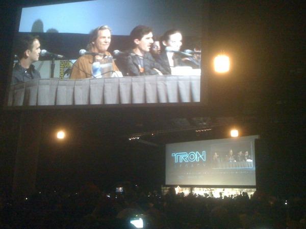 File:Tron legacy cast crew.jpg