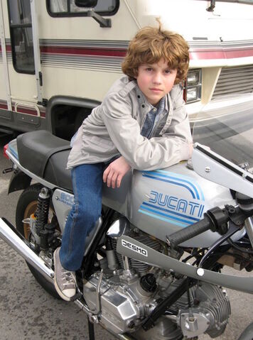 File:Young Sam Flynn Motorcycle.jpg