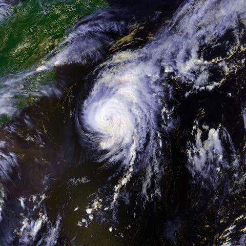 File:Hurricane Danielle 01 sept 1998 1858Z.jpg