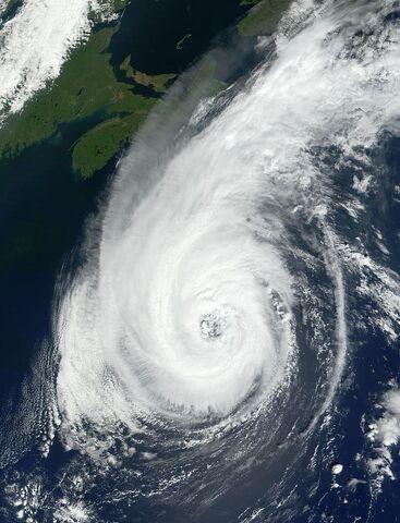 File:800px-Hurricane Erin 13 sept 2001 1503Z.jpg