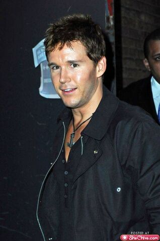 File:Eye-candy-ryan-kwanten-6.jpg