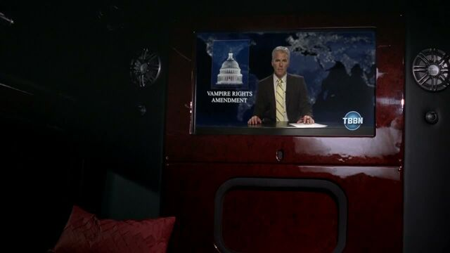 File:3x09 -nan flanagan watches the news in her limo.jpg