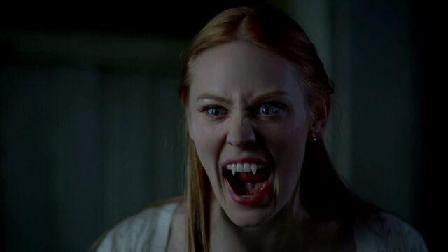 File:3x08 - jessica getting ready to fight a werewolf.jpg