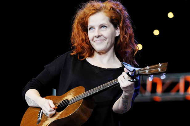 File:501286-neko-case-bridge-school-benefit-617-409.jpeg