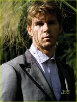 Ryan-kwanten-august-man-magazine-march-2010-02