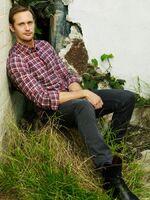 Alexander-Skarsgard-photoshoot-EW-225x300