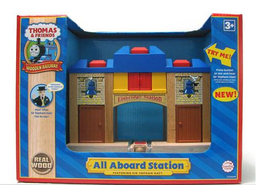 File:WoodenRailwayAllAboardStationElsbridgeBox.png