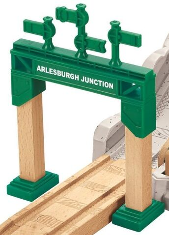 File:WoodenRailwayArlesburghJunctionSignalGantry.jpg