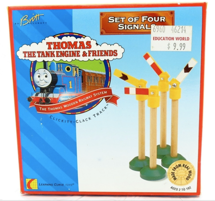 File:WoodenRailwaySetOf4Signals.png