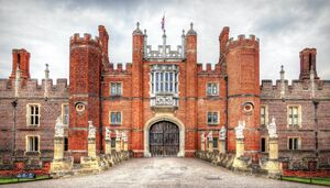 Hampton-Court-with-the-Kings-Beasts