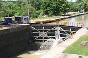 Erie canal lock-550x367
