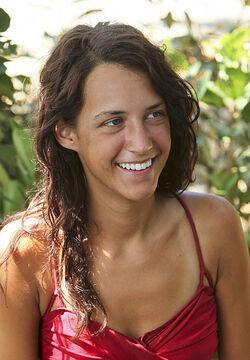 Amelia S12 contestant