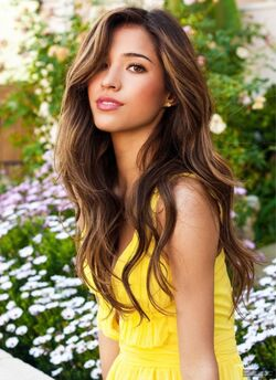 Kelsey chow cosmo times square magazin photoshoot wZNvMur.sized