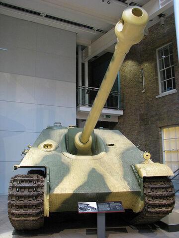 File:Jagd Panther .jpg