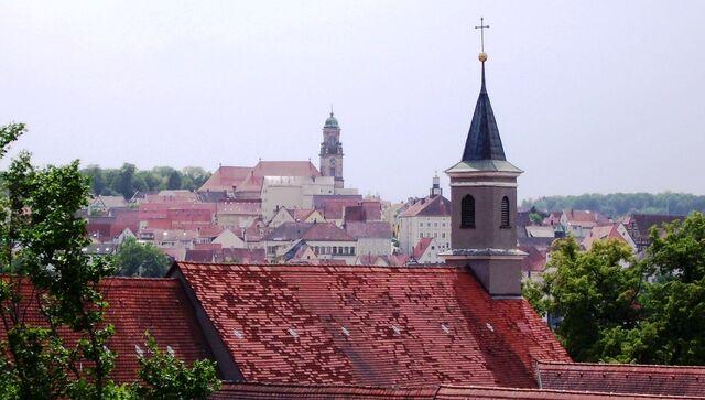 File:Klosterkirche St.Luzen (Hechingen) Dächer-1-.JPG