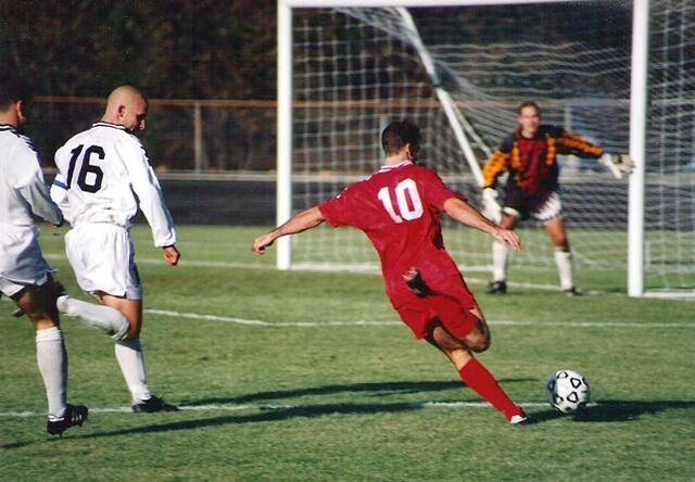 File:Football iu 1996-1-.jpg