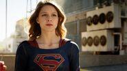Supergirl 1x01 001