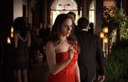 Lost Girl 2x02 001
