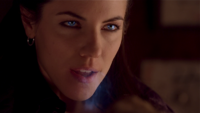 Lost Girl 1x01 007