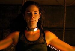 Lost Girl 2x08 001