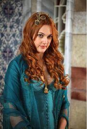 Meryem-Uzerli-turkish-actors-and-actresses-30654405-468-691