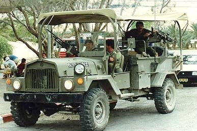 File:M325 command car.jpg