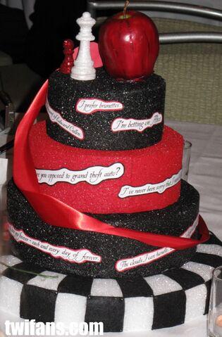 File:Twilight-Cakes-twilight-series-8487236-1016-1545.jpg