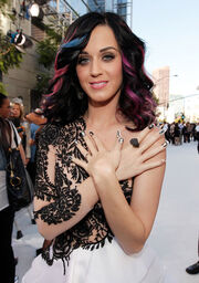 Katy Perry 2010 MTV Video Music Awards Arrivals M3p3WfBaHddl