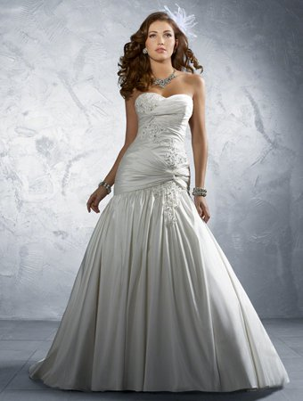 File:SPweddinggown.jpg
