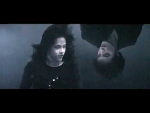 File:Bella and Edward in the water.jpg