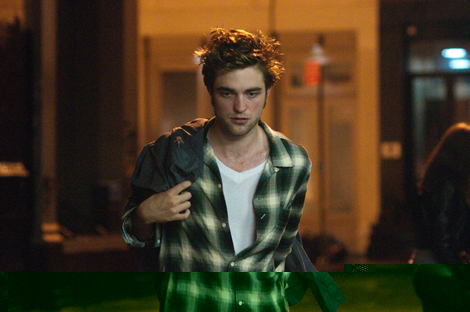 File:Movies check in with robert pattinson and his plaid shirts from remember me 002.jpg