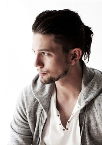 File:Jackson Rathbone 11.jpg