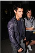 Talylor-Lautner-in-LA-jacob-black-8375340-224-334