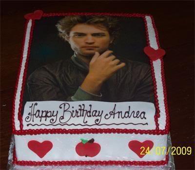File:Twilight-Cakes-twilighters-7865402-.jpg