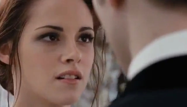 File:Kristen-stewart-bella-twilight-breaking-dawn-wedding.jpg