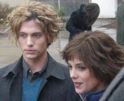 File:Cullens-Alice and Jasper.jpg