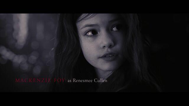 File:Mackenzie Foy as Renesmee Cullen.jpg