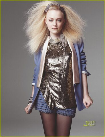 File:Dakota-fanning-marie-claire-magazine-august-2010-02.jpg