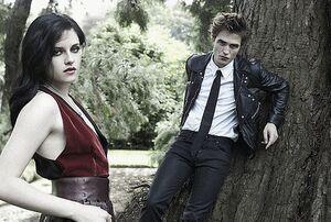 Robert Pattinson and Kristin Stewart in Bazaar (17)