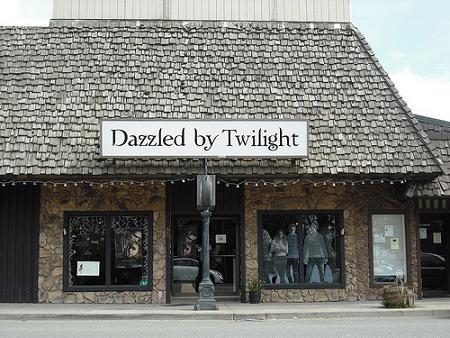 File:Dazzled-by-twilightggg.jpg