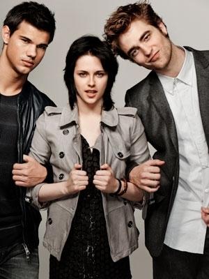File:Kristen-Stewart-Taylor-Lautner-Robert-Pattinson-EW-photos-twilight-series-9024293-300-400.jpg