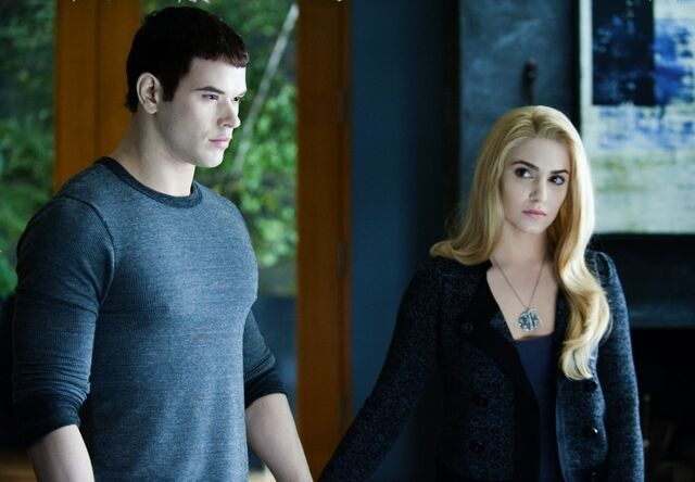 File:-Eclipse-DVD-Stills-HQ-emmett-cullen-17413020-1102-764.jpg