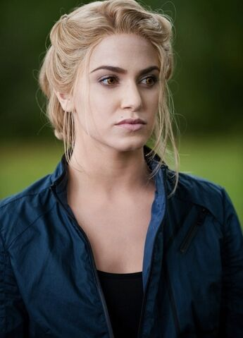 File:-Eclipse-DVD-Stills-HQ-rosalie-hale-17412907-536-744.jpg