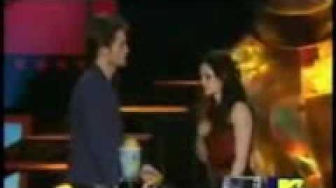 Mtv Best Kiss!!! Kristen steward and robert pattison!!! MTV MOVIE AWARDS