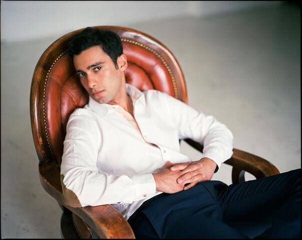 File:Arash-modeling-Hannes-Caspar.jpg